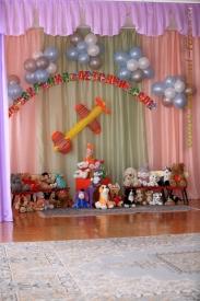 Пример репортажной фотосъёмки детей на выпускном в детскомсаду